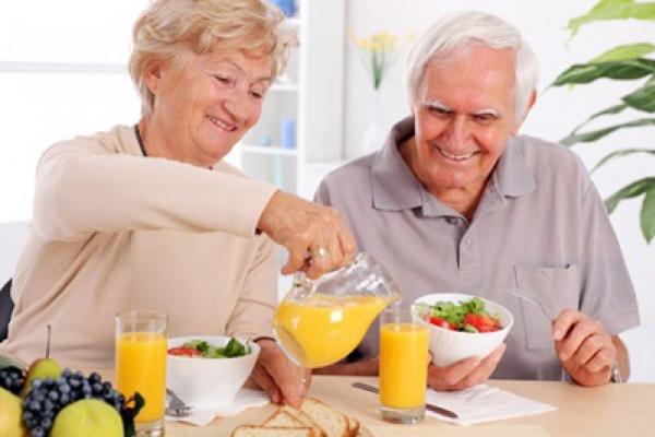 Cách phòng chống bệnh tiểu đường ở người lớn tuổi