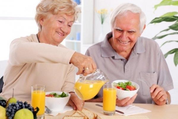 Chế độ chăm sóc người cao tuổi bị đái tháo đường