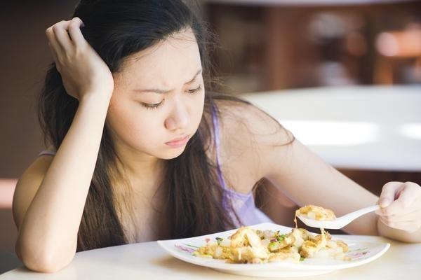 Người tiểu đường chán ăn, bỏ bữa phải làm sao?